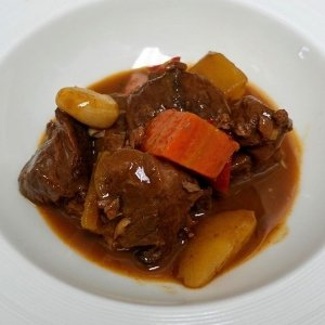 The French Grocer - Oohlala! de Chef Julien - French Burgundy's Beef Stew - 1